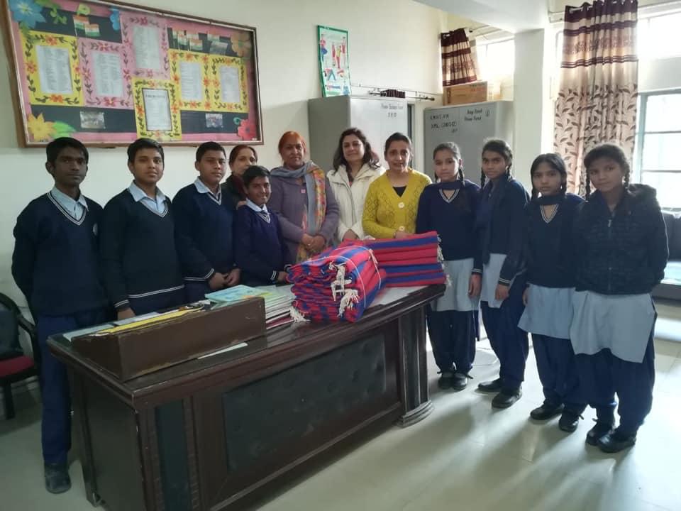 2019-blankets-school